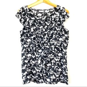 Black and White New York and Company Blouse M
